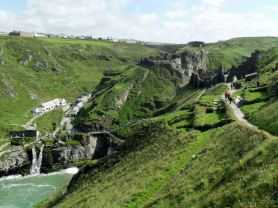 http://domenico1974.files.wordpress.com/2012/09/tintagel-castle-11.jpg?w=278&h=199